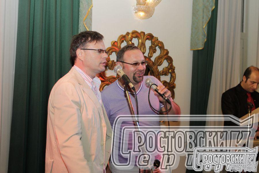 Сергей Ростовский выступает вместе с Итальянскими артистами